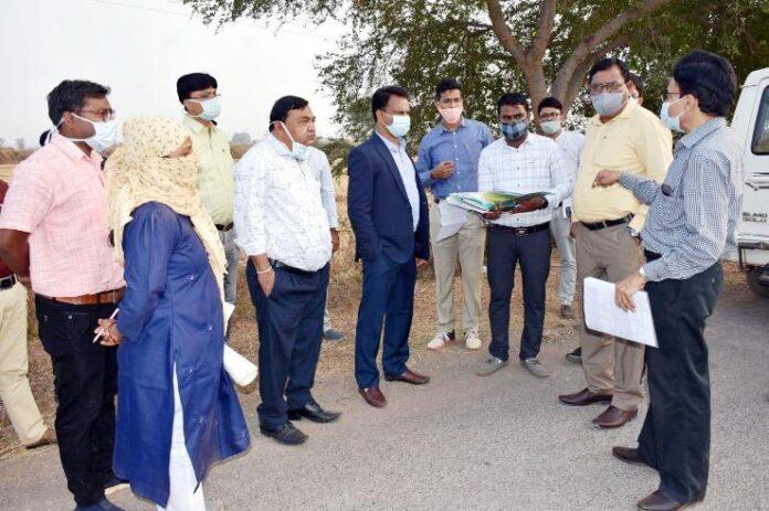 विशेष सचिव ने वायरोलॉजी लैब एवं मेडिकल कॉलेज की ज़मीन का किया निरीक्षण