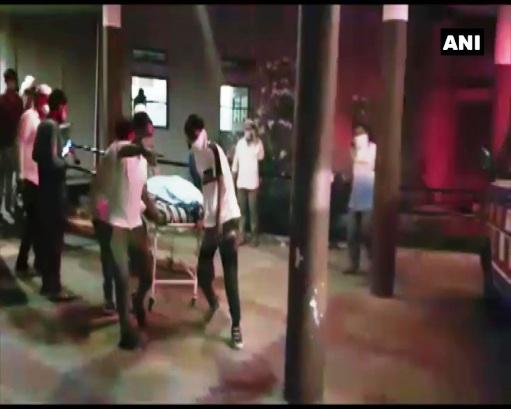गुजरात के भरूच में एक COVID -19 केंद्र में देर रात आग लगने से 16 लोगों की मौत