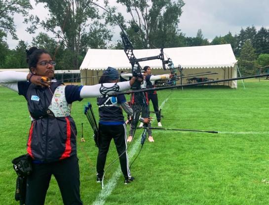 भारतीय तीरंदाज के नौ सदस्यीय महिला रिकर्व टीम पेरिस के लिए हुई रवाना