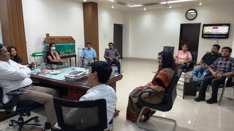 7 प्रशिक्षु IAS अधिकारियों ने कलेक्टर सिंह से की सौजन्य मुलाकात