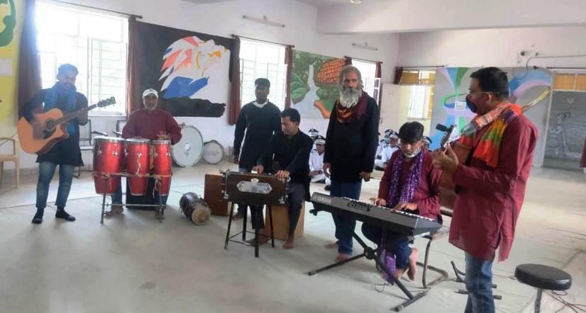 बंदियों ने बनाया 'आउट ऑफ द बॉक्स' बैंड पार्टी,उदयपुर में है इसकी अच्छी मांग