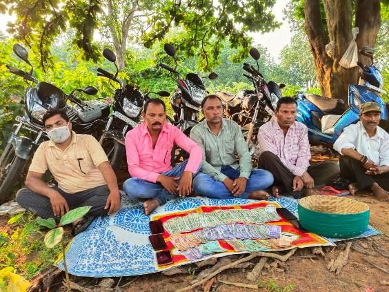 जंगल में सजने वाले खुडखुडिया जुआ फड में पुलिस का छापा,05 आरोपी गिरफ्तार