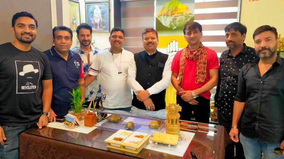 सिरपुर में Bollywood Movie की होगी शूटिंग ,कलाकार संसदीय सचिव विनोद से मिले