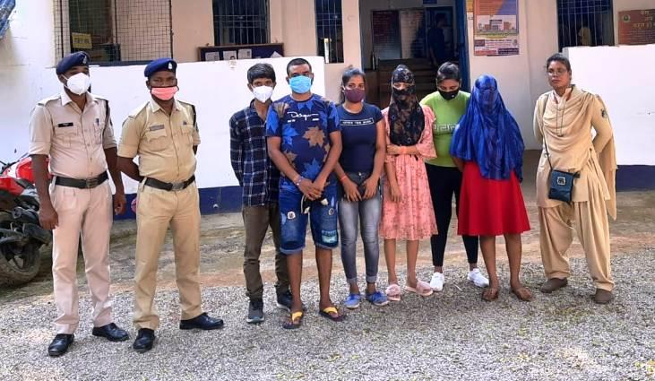 भंवरपुर रोड़ पर में स्तिथ अटल आवास में चल रहे सेक्स रैकेट का भंडाफोड़